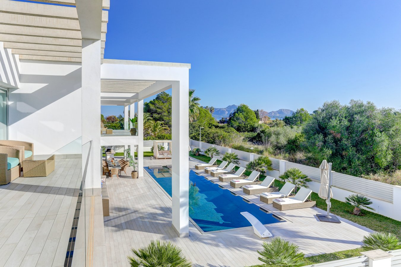 Villa in Puerto Pollenca, Mallorca - Villa Amore, 7 Bedrooms, Sleeps 14, 7 Bathrooms, Code POL10