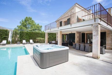 Villa in Pollenca, Villa Ana - 4 Bedrooms, 4 Bathrooms, Sleeps 8