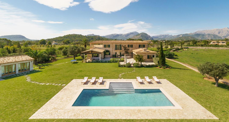 Villa in Puerto Pollenca, Mallorca - Villa Elina, 6 Bedrooms, Sleeps 12, 4 Bathrooms, Code POL04