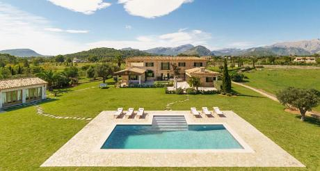 Villa in Puerto Pollenca, Villa Elina - 6 Bedrooms, 4 Bathrooms, Sleeps 12